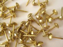 100 small 6mm UPHOLSTERY NAILS FURNITURE STUDS brass pins R5